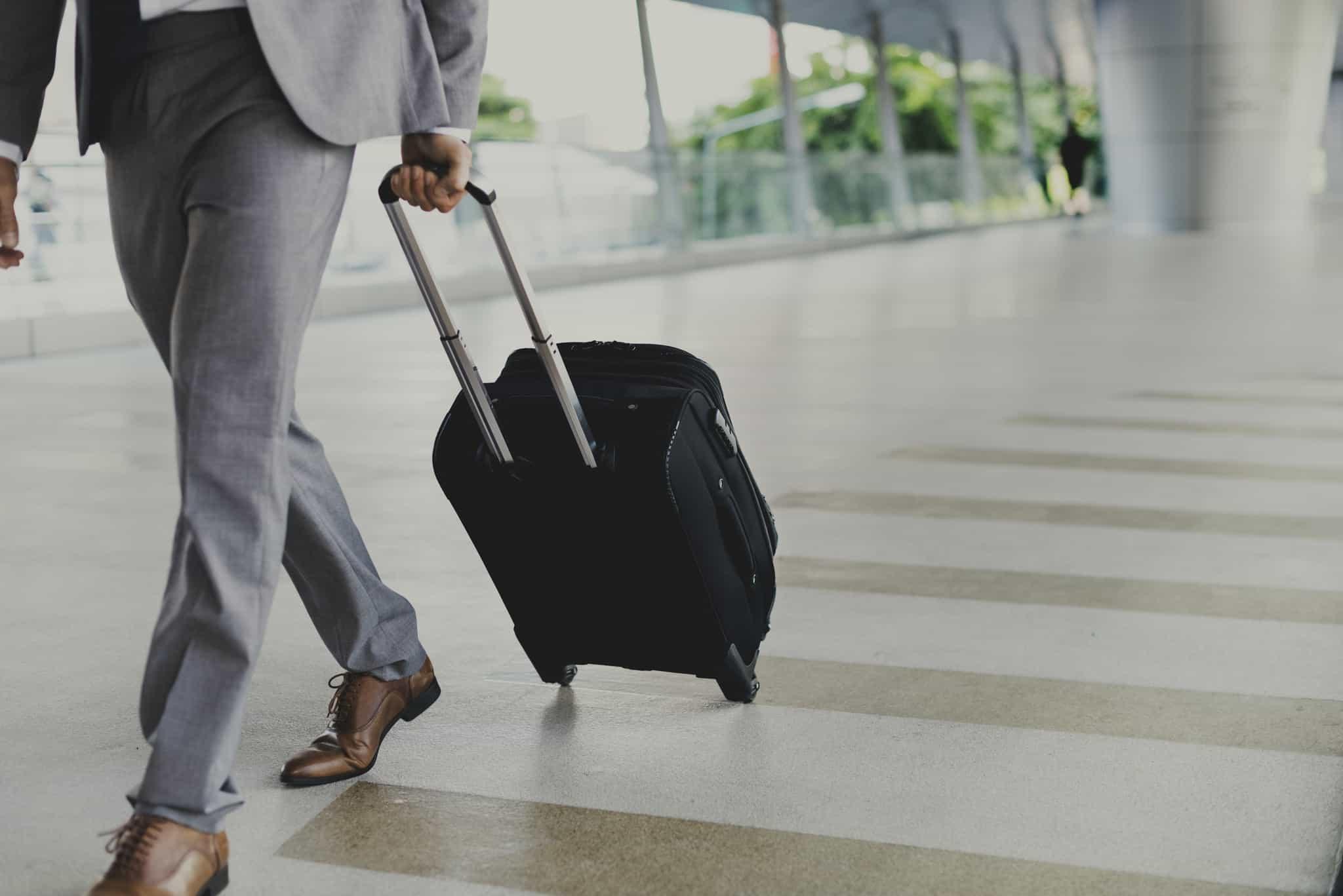 Mâner al valizei blocat