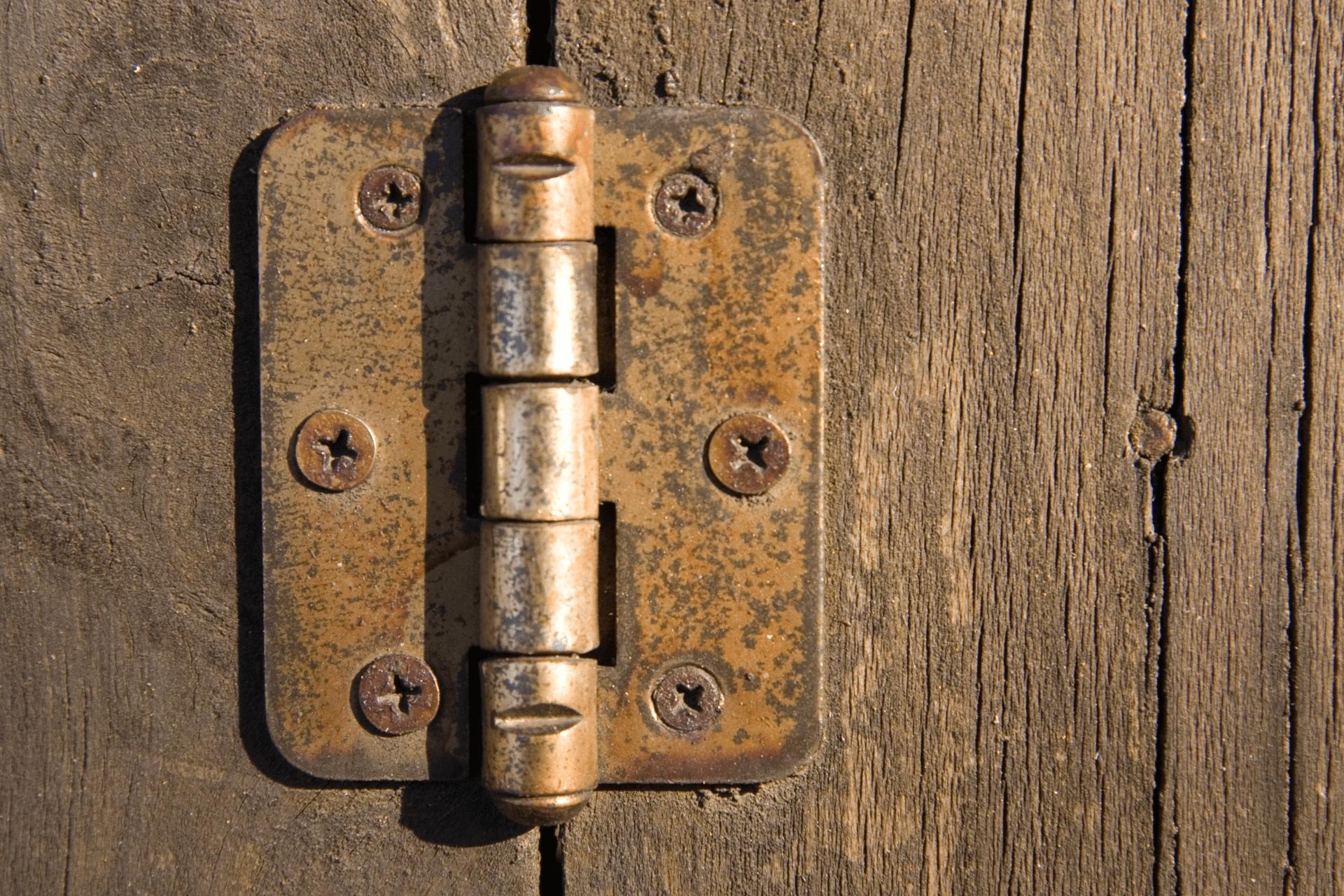 scârțâitul ușilor