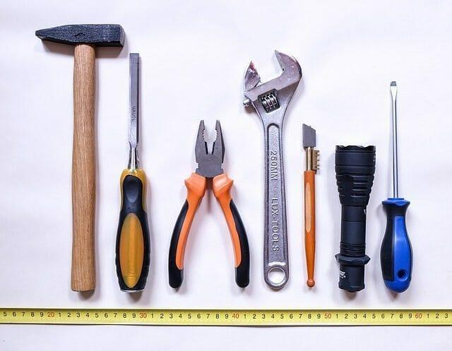 Sfaturi casnice: 10 unelte pentru fiecare gospodărie